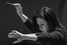SIMONE YOUNG CONDUCTS PERIANES